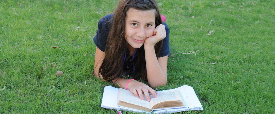 Conn_MS Girl Reading on Grass_2994